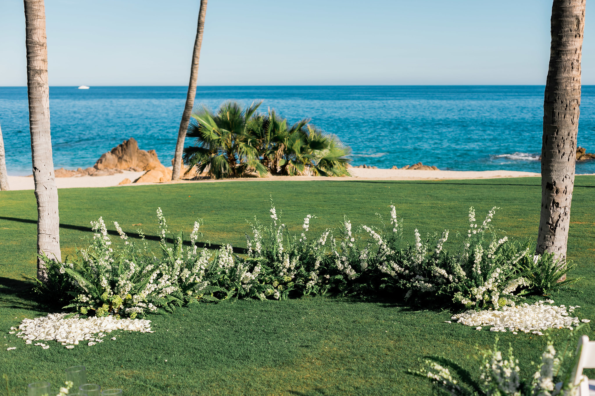 White Wedding At The One & Only Palmilla floral display