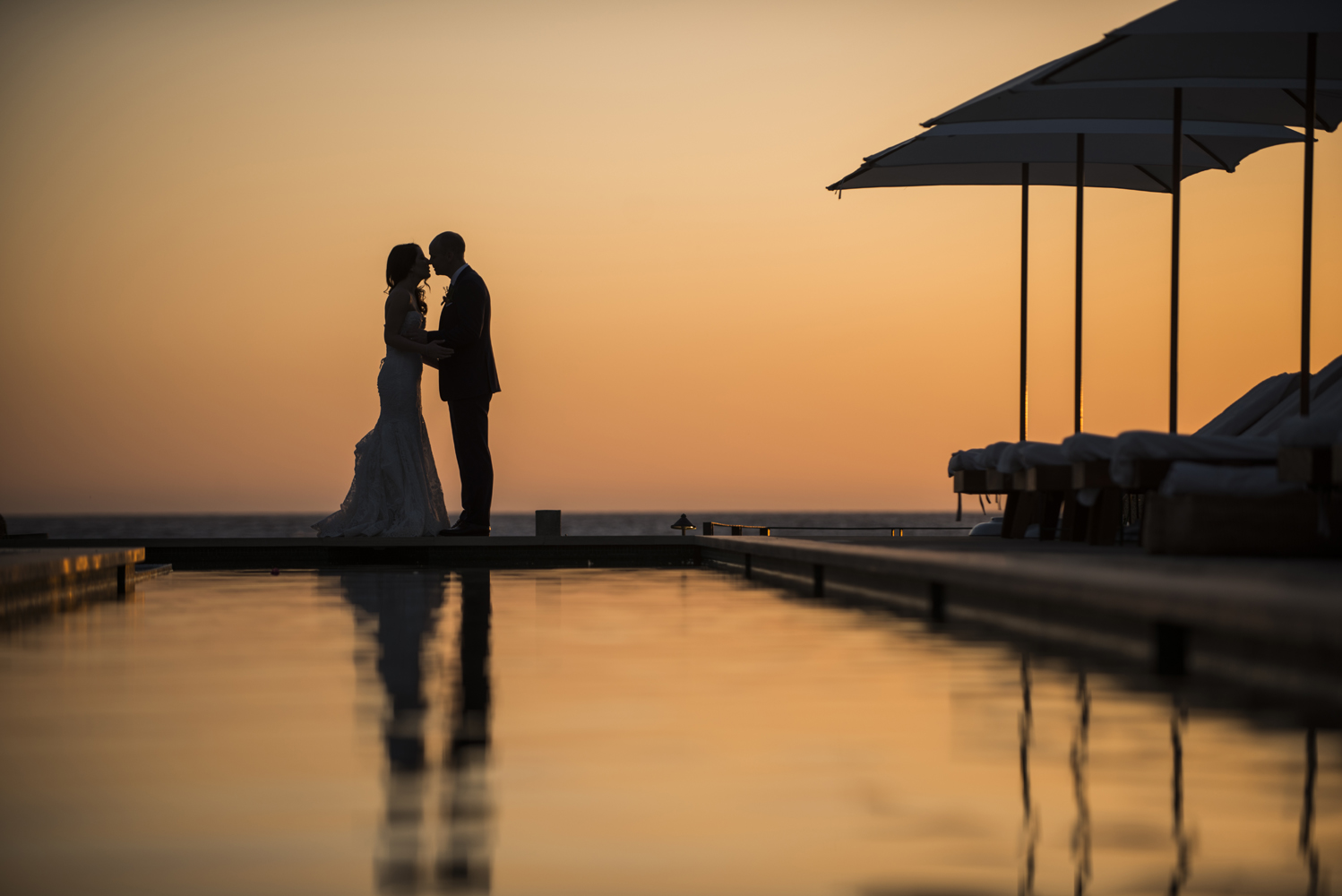 sun sets on this spectacular wedding in Todos Santos