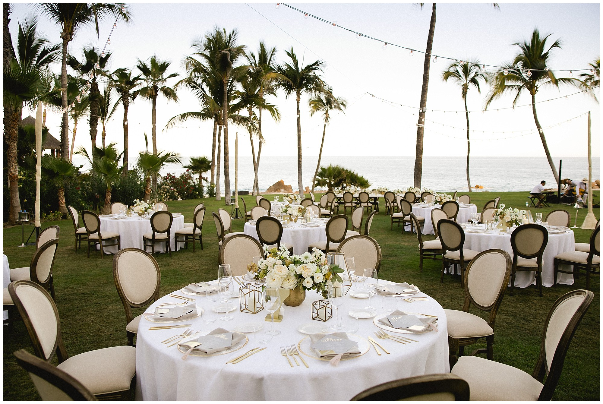 elegant white tablescapes at a one&only Palmilla wedding