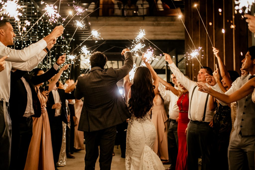 The end of a perfect wedding day timeline - including sparklers!